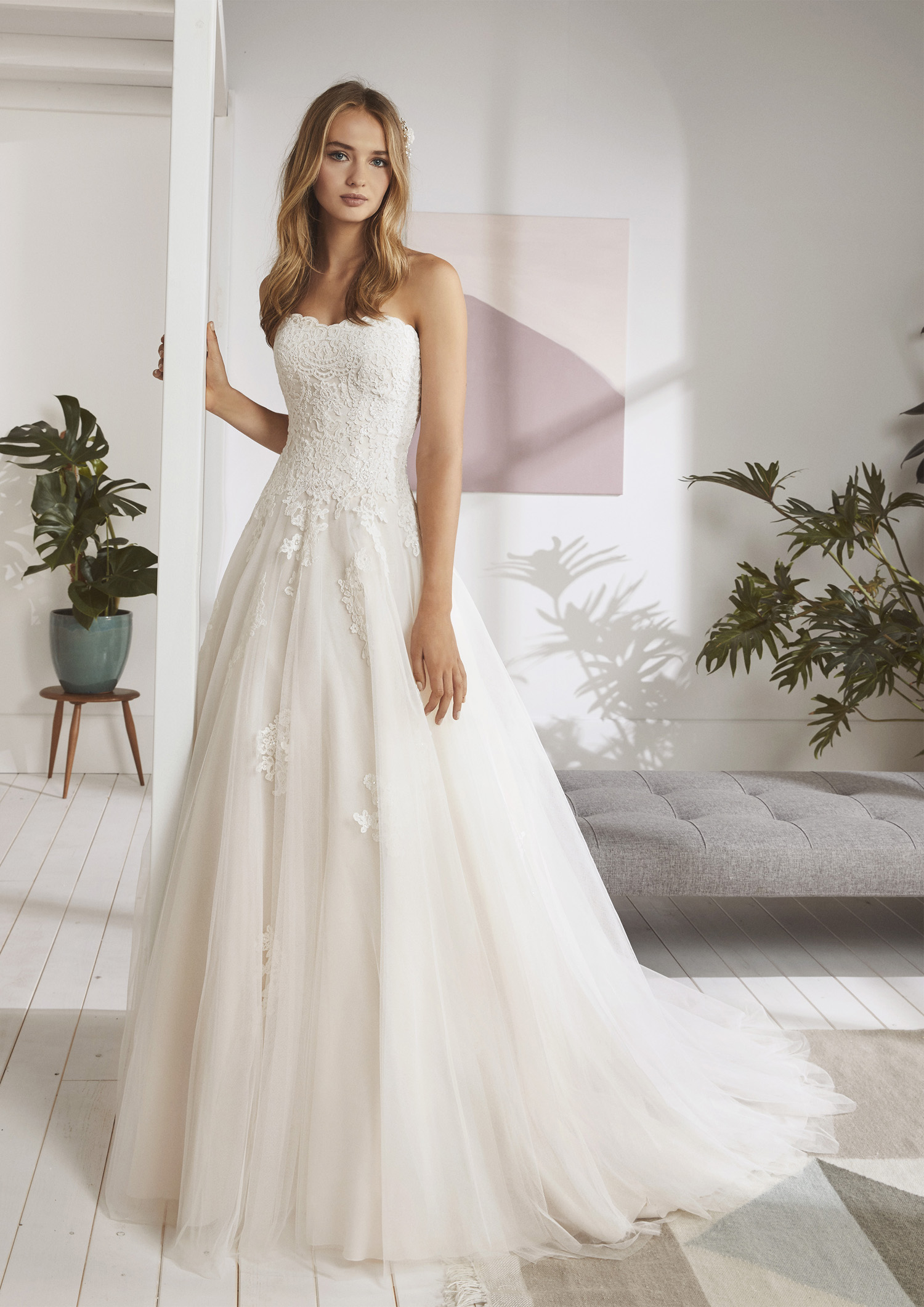 Immagini Vestiti Da Sposa.Abito Da Sposa Poeme 2020 Ordizia Mariages It Abiti Sposa E