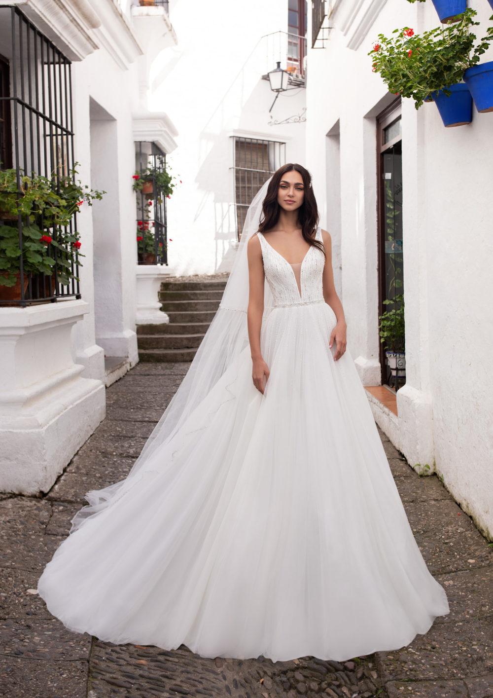 Mariages: abito da sposa Pronovias 2020 a Vicenza, Verona, Padova, Veneto ADRASTEA