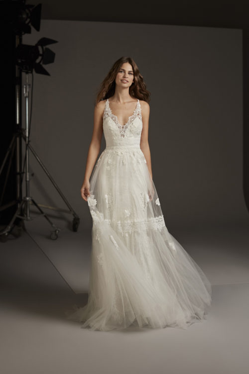 Mariages: abito da sposa Pronovias 2020 a Vicenza, Verona, Padova, Veneto CRESSIDA