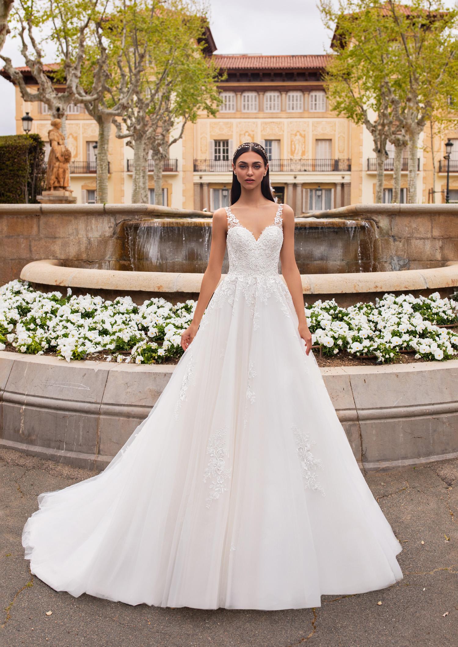 Vestiti Cerimonia Vicenza.Abito Da Sposa Pronovias 2020 Nemo Mariages It Abiti Sposa E