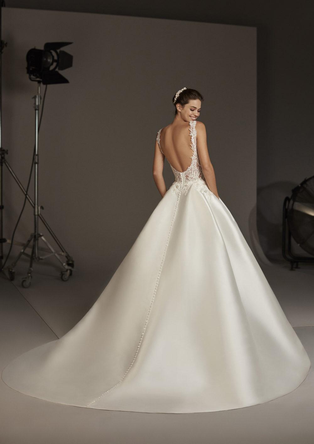 Mariages: abito da sposa Pronovias 2020 a Vicenza, Verona, Padova, Veneto VIRGO