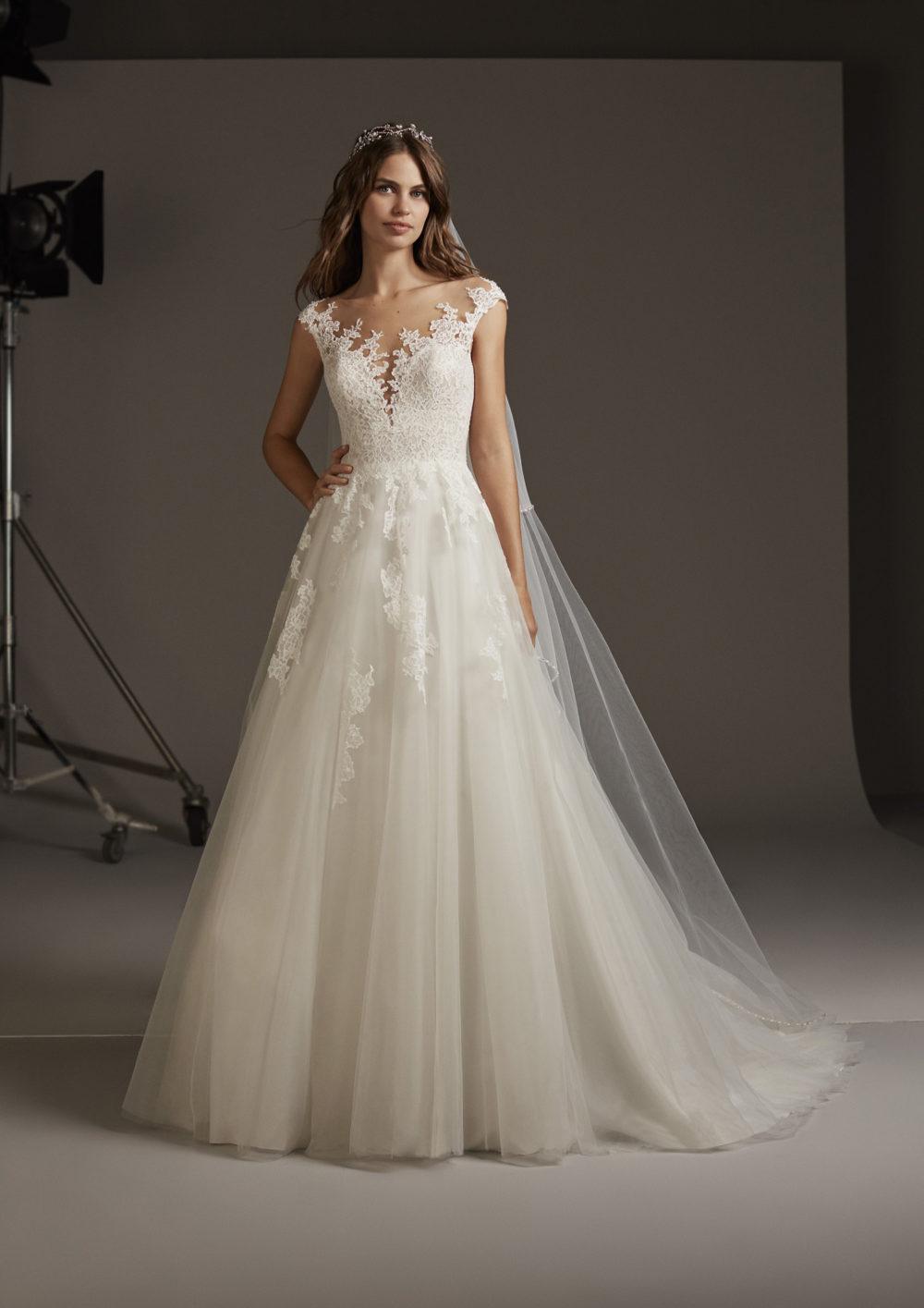 Mariages: abito da sposa Pronovias 2020 a Vicenza, Verona, Padova, Veneto VULCANIA