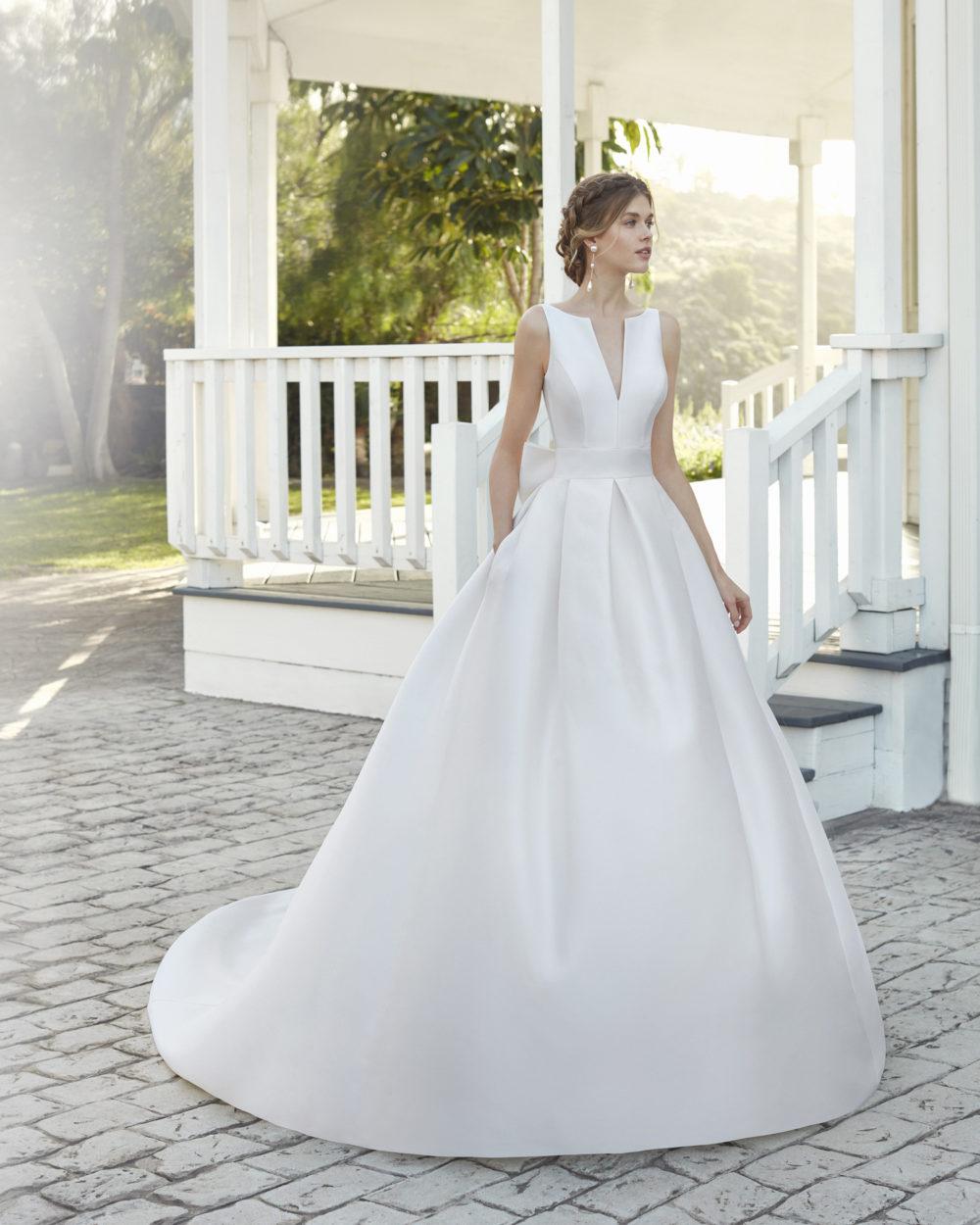 Mariages: abito da sposa Rosa Clarà 2020 a Vicenza, Verona, Padova, Veneto 4A1D6 CAQUI