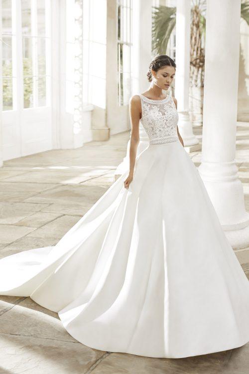 Mariages: abito da sposa Rosa Clarà 2021 a Vicenza, Verona, Padova, Veneto 5A159 TIARA