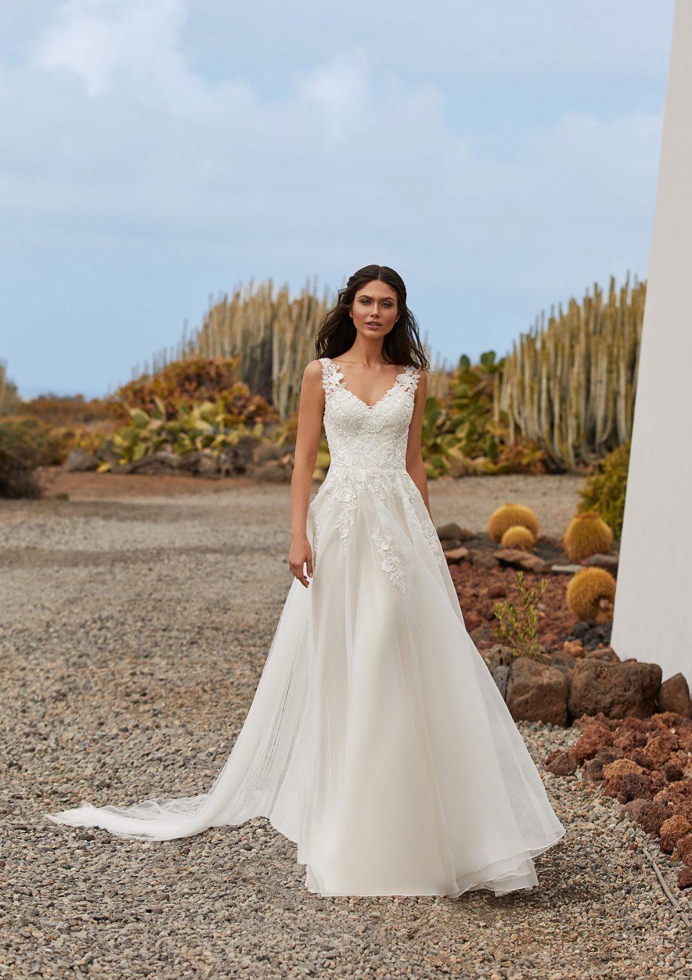 Mariages: abito da sposa Pronovias 2021 a Vicenza, Verona, Padova, Veneto BLYTHE
