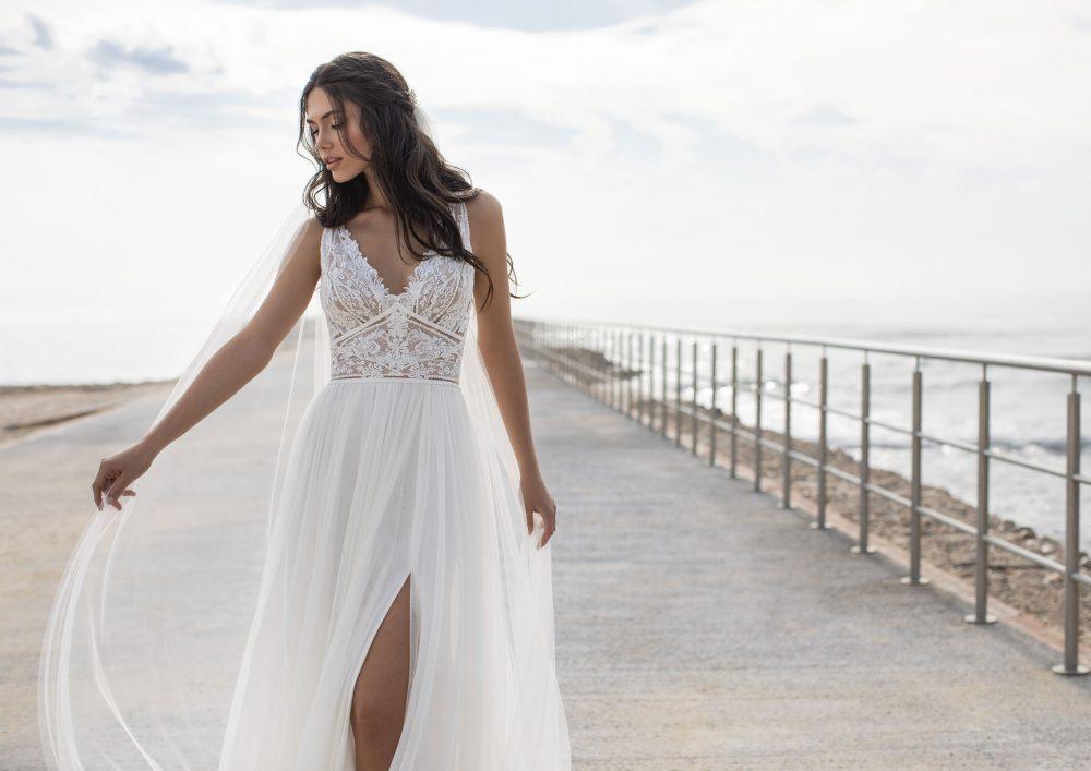 Mariages: abito da sposa Pronovias 2021 a Vicenza, Verona, Padova, Veneto CHARISSE