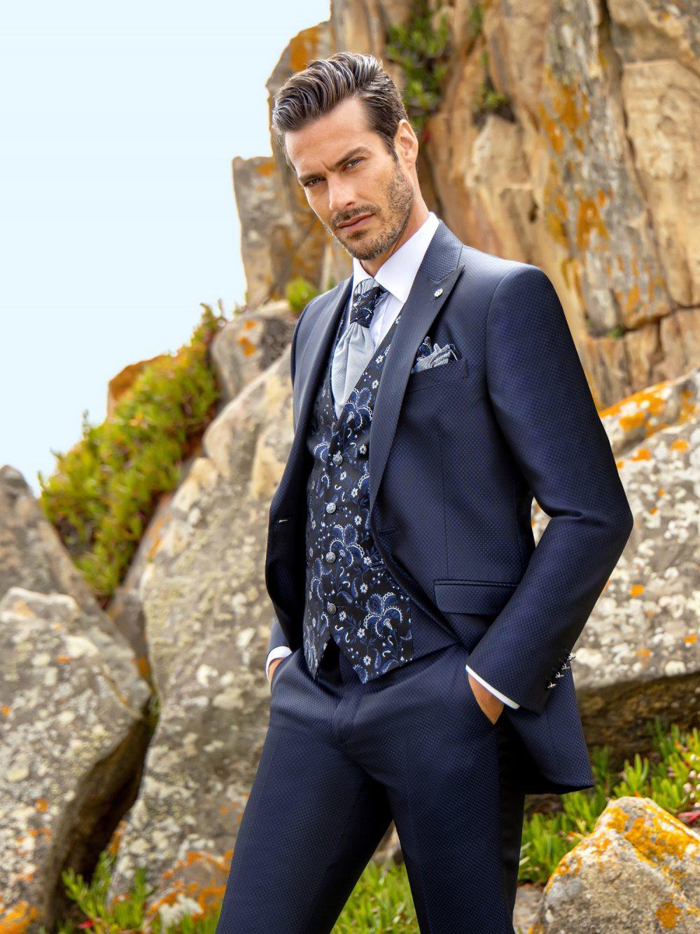Abito vestito da sposo Roberto Vicentti 2021 a Vicenza WEDDING_28-20-312