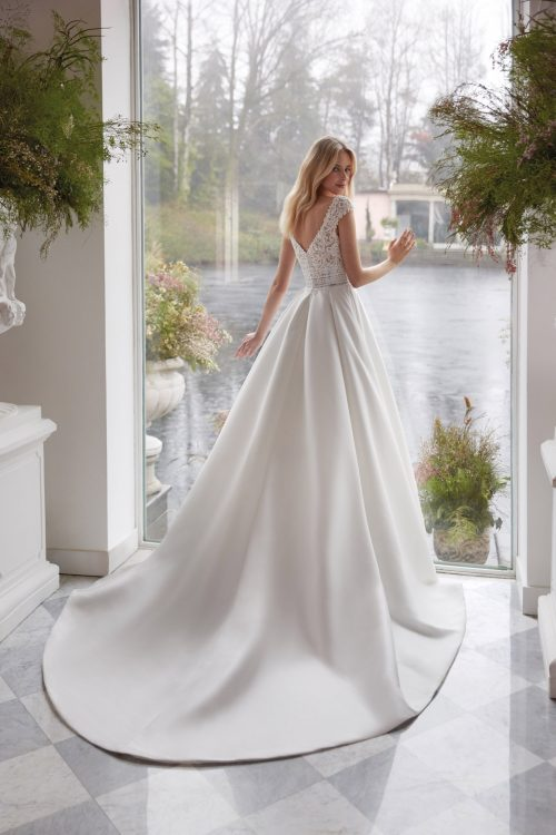 Colet 2022 abito vestito sposa vicenza DATURA